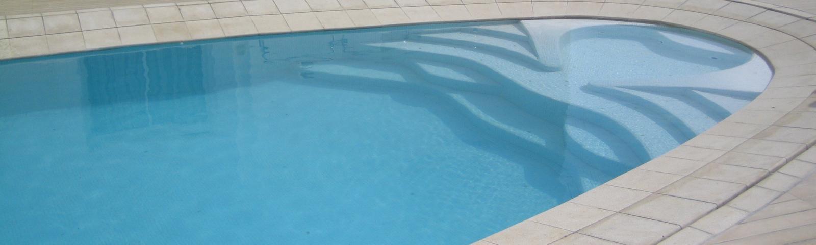 Zwembad tegels online bestellen tegelinfo for Zwembad tegels