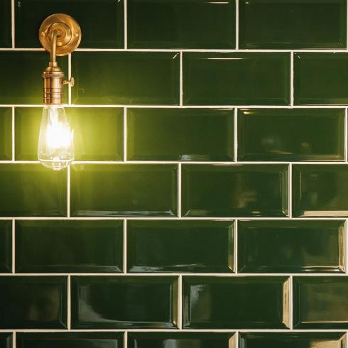 metrotegel victorian green donkergroen glanzend 7 5 x 15 2 cm per m2 online bestellen tegelinfo. Black Bedroom Furniture Sets. Home Design Ideas