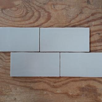 Half tile Handmade light blue 7,5 x 15 cm per m2