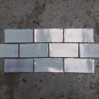 Half Tile Lava light blue grey 7,5 x 15 cm